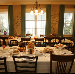 Formal dining room at Temple Hill Bed and Breakfast